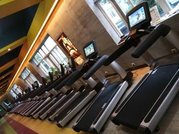 China Treadmill Gym Cardio Fitness Equipment For Body Exercise Power Training supplier